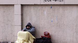 le-taux-de-pauvrete-a-legerement-baisse-en-2013-en-france-pour-s-etablir-a-14-de-la-population-contre-14-3-un-an-plus-tot_5420087